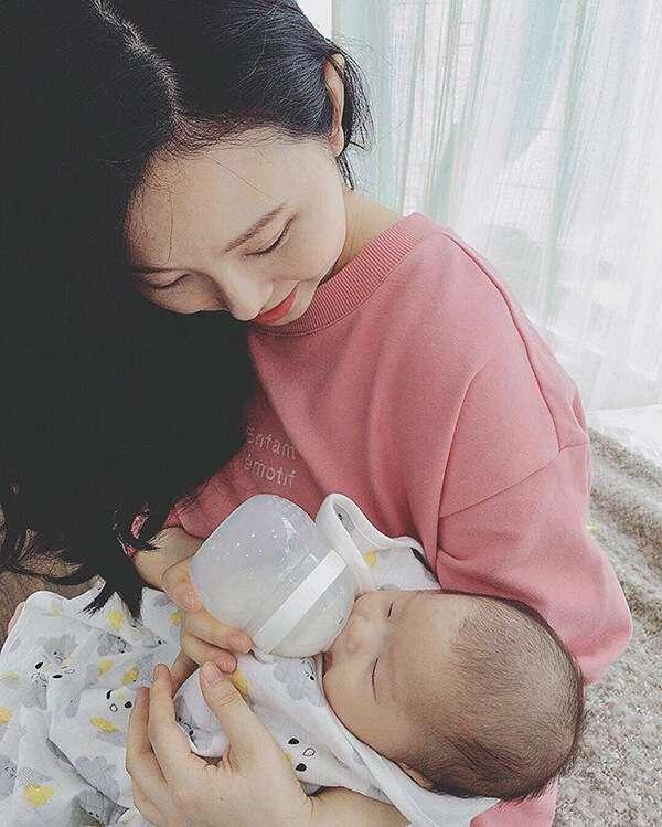 bình sữa mamachi giúp bé rèn ti bình hiệu quả